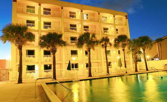 Holiday Isle Oceanfront Resort (St. Agustine)