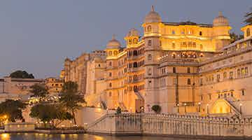 maharajas-express-the-heritage-of-india-03
