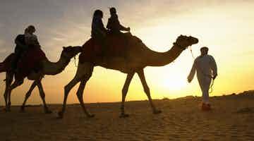 sand-boarding-camel-ride-01